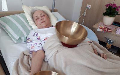 KlangZeit im Hospiz: Ein besonderes Entspannungsangebot
