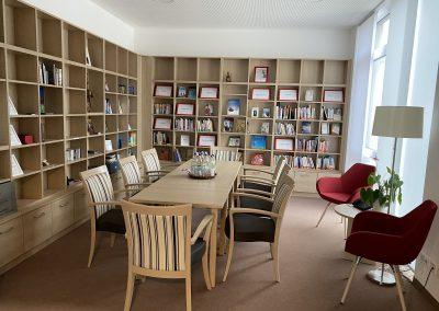 die Bibliothek - ein idealer Rückzugsort, Foto Brigitte Eder